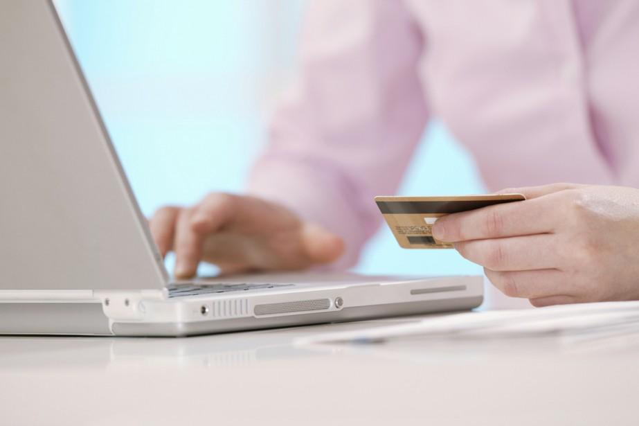 Les internautes québécois sont plus nombreux à faire des achats... (Photos.com)
