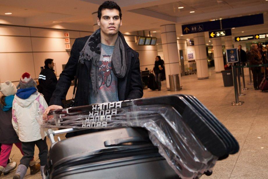 Rene Bourque à son arrivée à l'aéroport Montréal-Trudeau.... (Photo: Édouard Plante-Fréchette, La Presse)