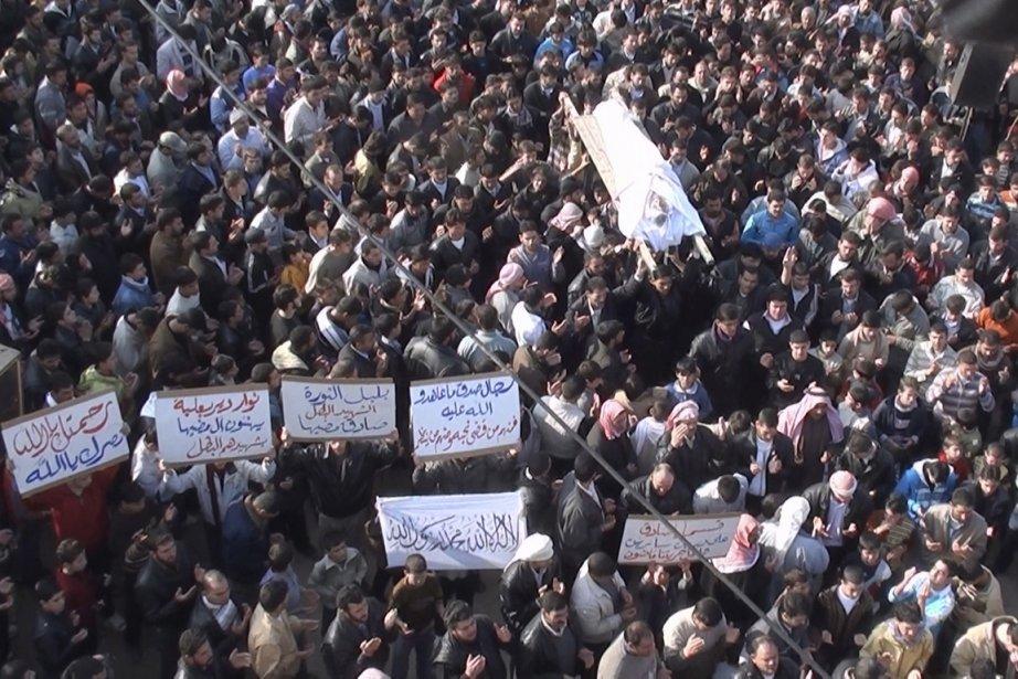 Des opposants au régime du président Bachar al-Assad... (Photo: Reuters)