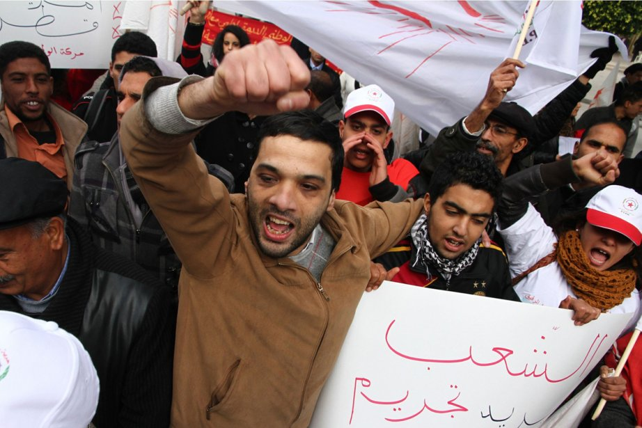 «Bon débarras Ben Ali!» chantaient des manifestants avant... (Photo: Amine Landoulsi, Associated Press)