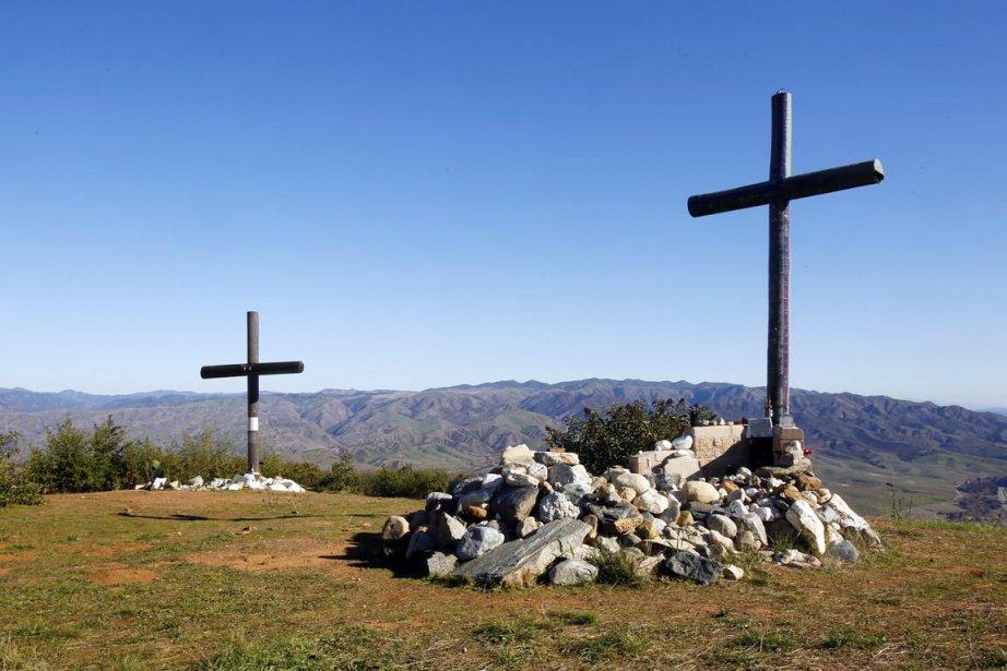 Des marines ont érigé ces croix en novembre... (Photo: Eduardo Contreras, Archives AP)
