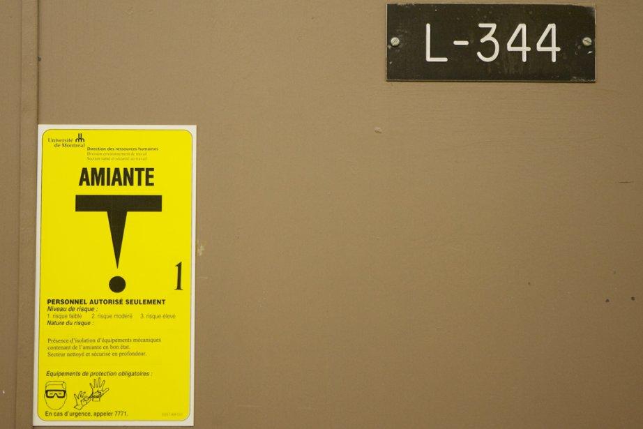 Même si l'amiante est cancérigène et que l'OMS... (Photo: David Boily, Archives La Presse)