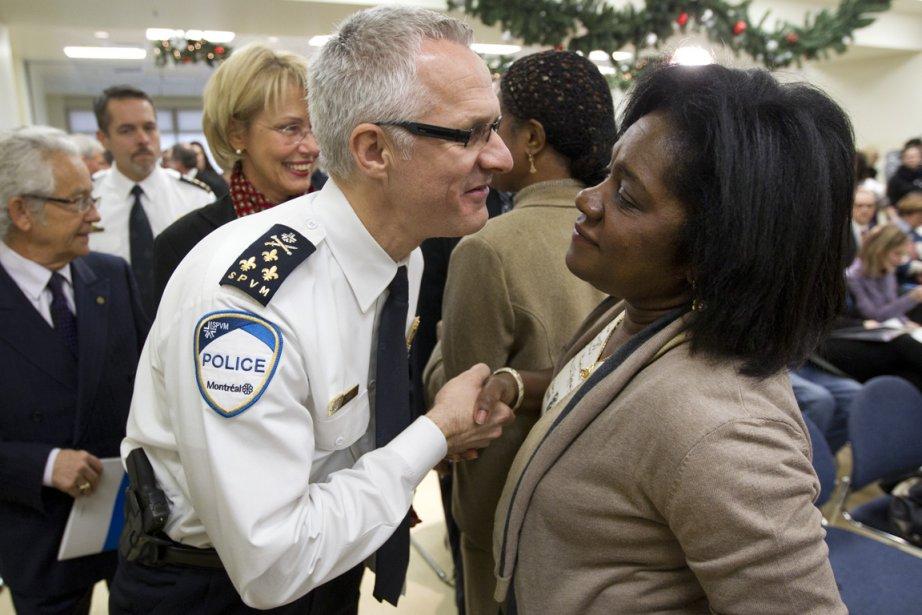 Marc Parent, directeur du SPVM, a salué Jocelyne... (Photo: Robert Skinner, Archives La Presse)