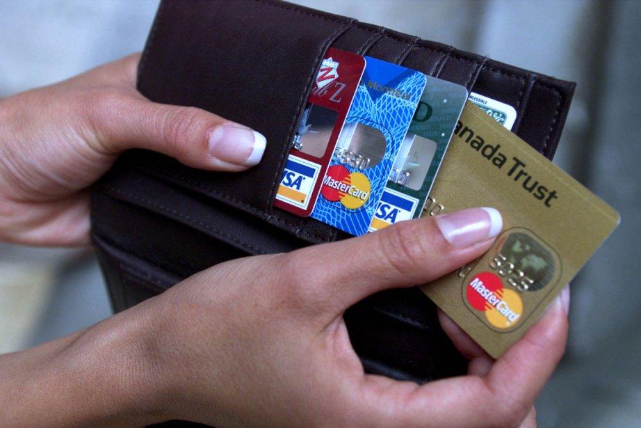 Le niveau record d'endettement des ménages contribuera à ralentir la... (CP)