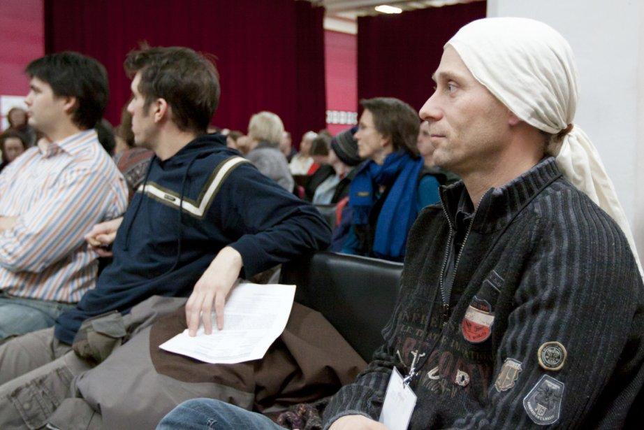 Une centaine  de citoyens de Villeray ont... (Photo: Ninon Pednault, La Presse)