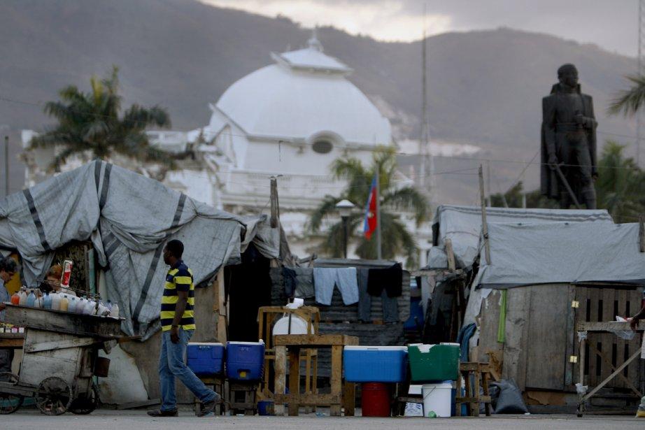Plusieurs ONG en Haïti «y étaient pour voir... (Photo: Martin Chamberland, La Presse)
