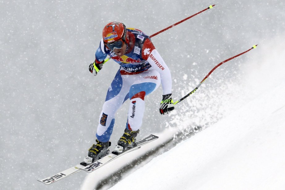 Le Suisse Didier Cuche a enlevé samedi les... (Photo: Shinichiro Tanaka, Associated Press)