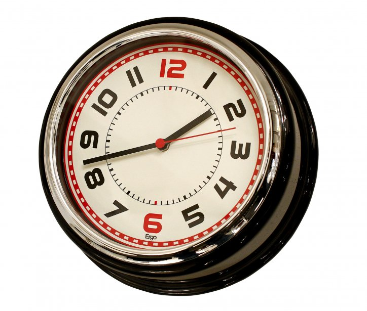 Horloge, 34 $ chez Zone, 999, Cartier, Québec, 418522-7373 | 22 janvier 2012