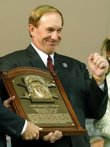 Gary Carter lors de son intronisation au Temple de la renommée du baseball, à Cooperstown, le 27 juillet 2003. (Reuters)