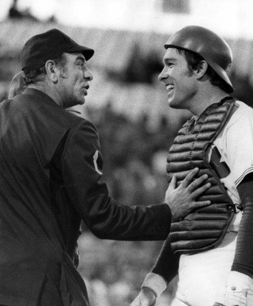 Gary Carter en discussion avec un arbitre, en 1975. (René Picard, La Presse)