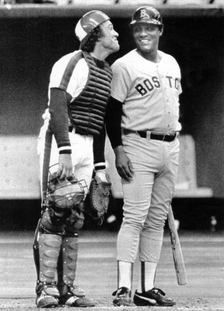 Gary Carter fait une grimace à son ancien coéquipier Tony Perez, des Red Sox de Boston, en 1981. (UPC)