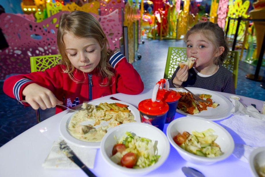 Un duo cin malbouffe marie allard nutrition for Salon du fast food
