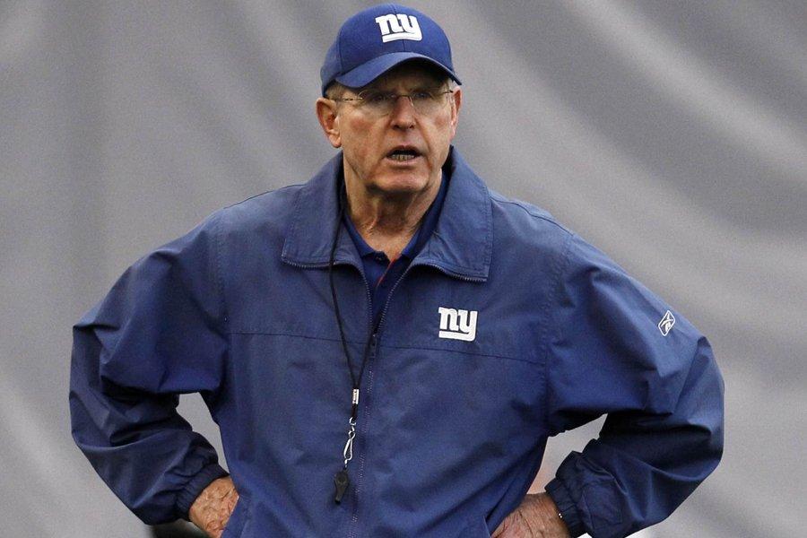 L'entraîneur-chef des Giants, Tom Coughlin, a fait taire... (Photo: Reuters)