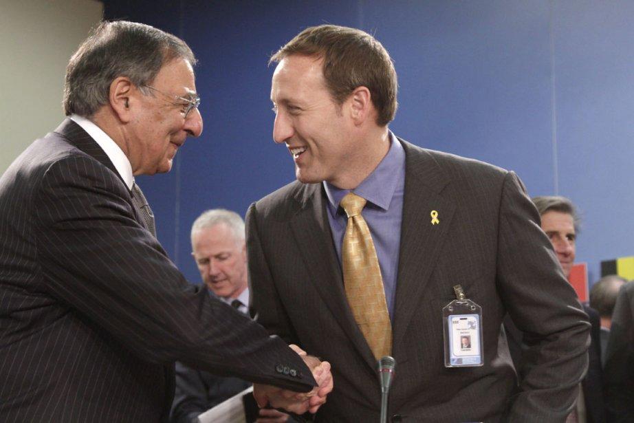 Le secrétaire américain à la Défense, Leon Panetta,... (Photo AP)