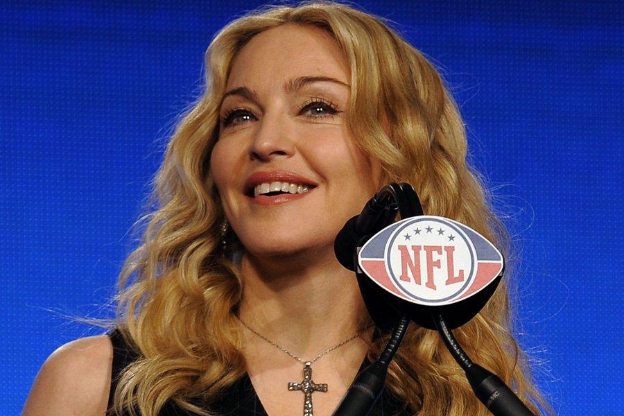 Madonna a donné une conférence de presse, hier... (Photo: AFP)