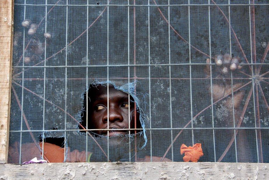 Des milliers d'Haïtiens, victimes du séisme, à qui... (Photo archives La Presse)
