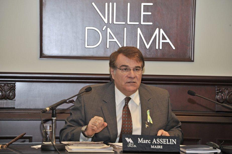 LOCK-OUT JOUR 37 (6 février) Le maire Marc Asselin n?entend pas déroger de son discours initial, lequel prône la neutralité de l?hôtel de ville dans le conflit opposant RTA et ses travailleurs. | 7 février 2012