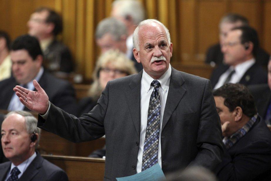 Le ministre de la Sécurité publique Vic Toews.... (Photo Patrick Doyle, Reuters)
