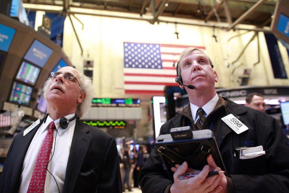Wall Street évoluait sans direction mercredi à la mi-journée,... (Photo Reuters)