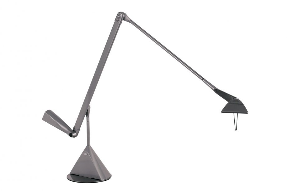 Lampe de bureau ergonomique Zelig. Lumina, 890 $ chez Homier Luminaire. | 16 février 2012