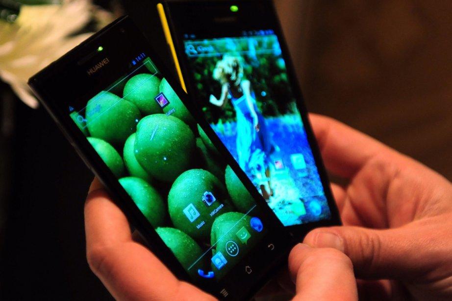 Le téléphoneAscend P1 S du géant chinois Huawei.... (Photo AFP)