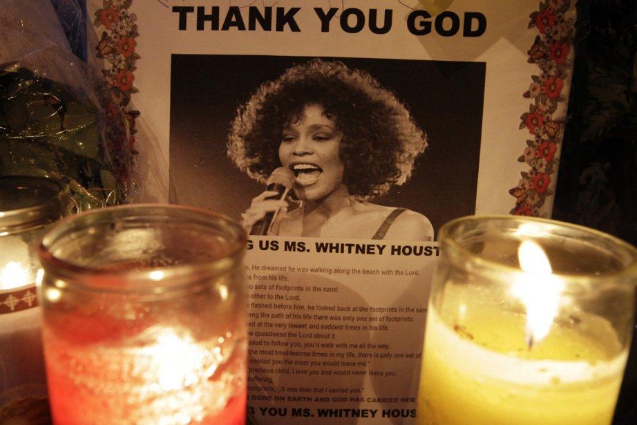 Les porte-parole du coroner ont annoncé jeudi que Whitney Houston était  morte...