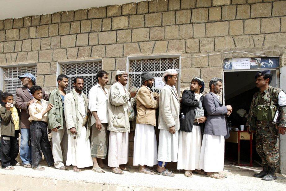 Plus de 12 millions d'électeurs étaient appelés aux... (Photo: Mohamed al-Sayaghi, Reuters)