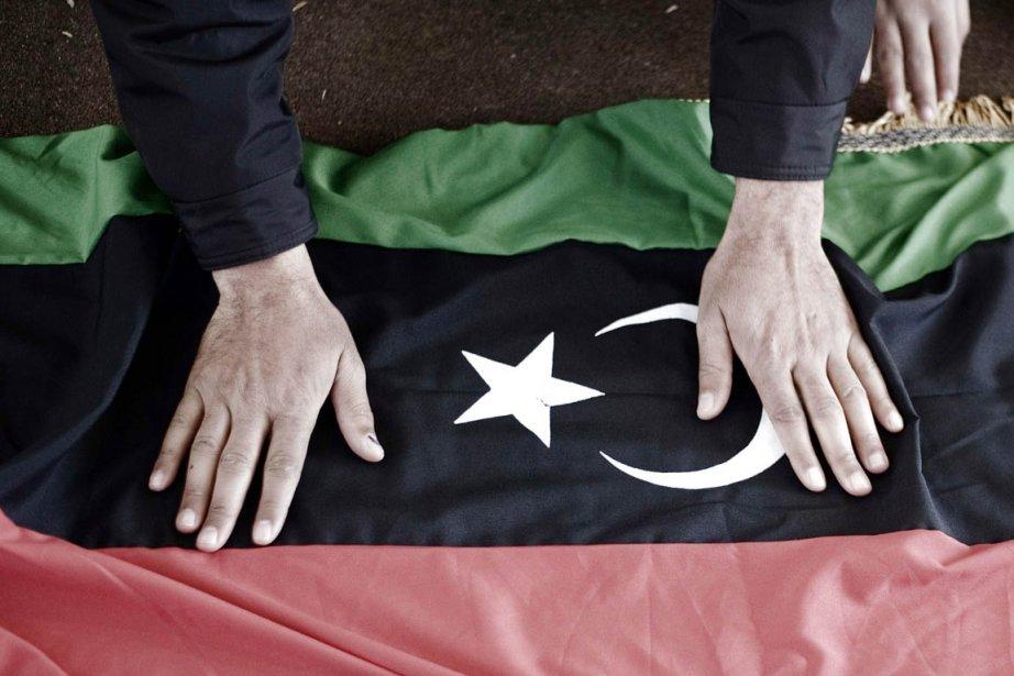 Le nouveau drapeau libyen.... (Photo: Gianluigi Guercia, AFP)