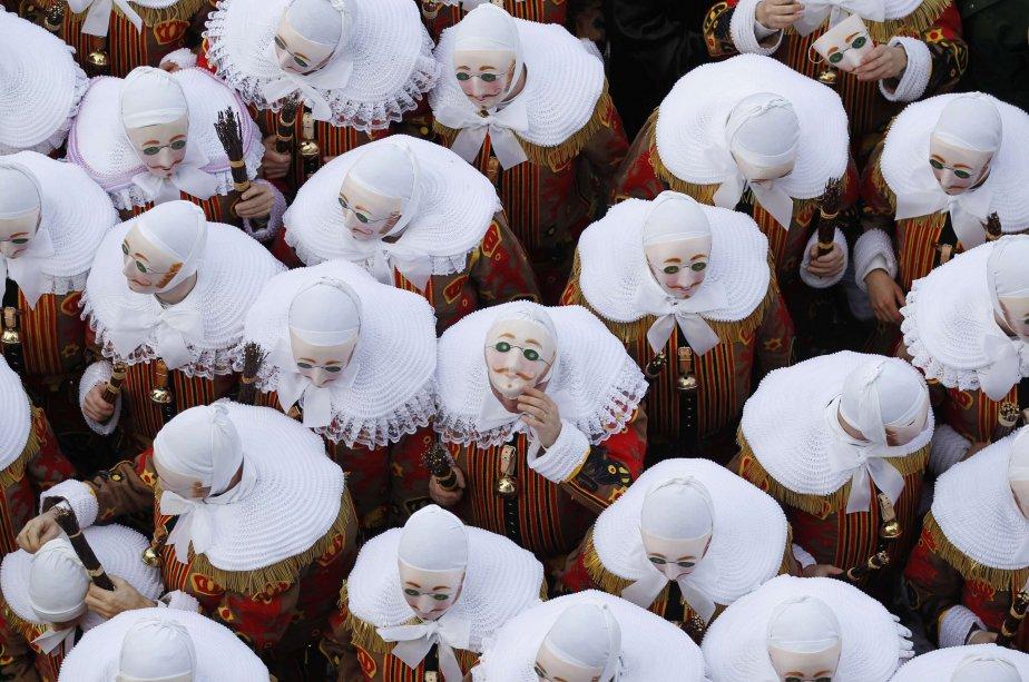 Parade dans la ville de Binche, en Belgique. | 22 février 2012