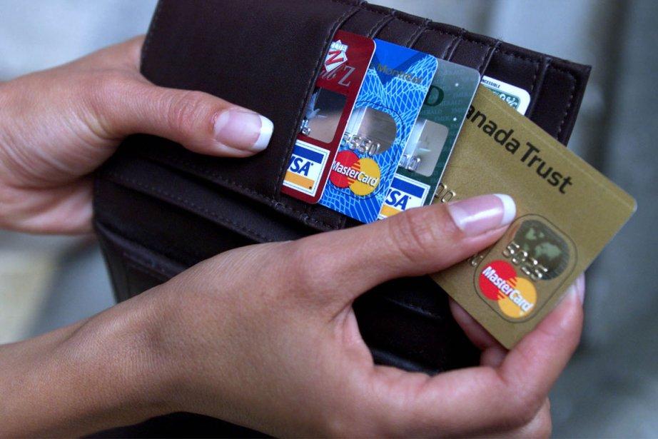 En voyage à l'étranger, la carte de crédit est souvent le mode de... (Photo PC)