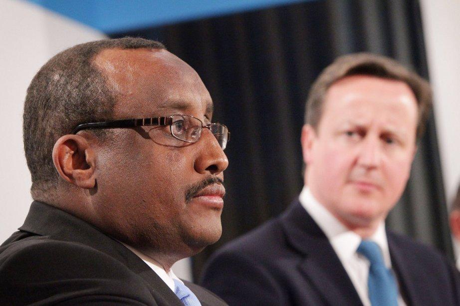 Le premier ministre britannique David Cameron (droite) et... (Photo: Peter Macdiarmid, AFP)