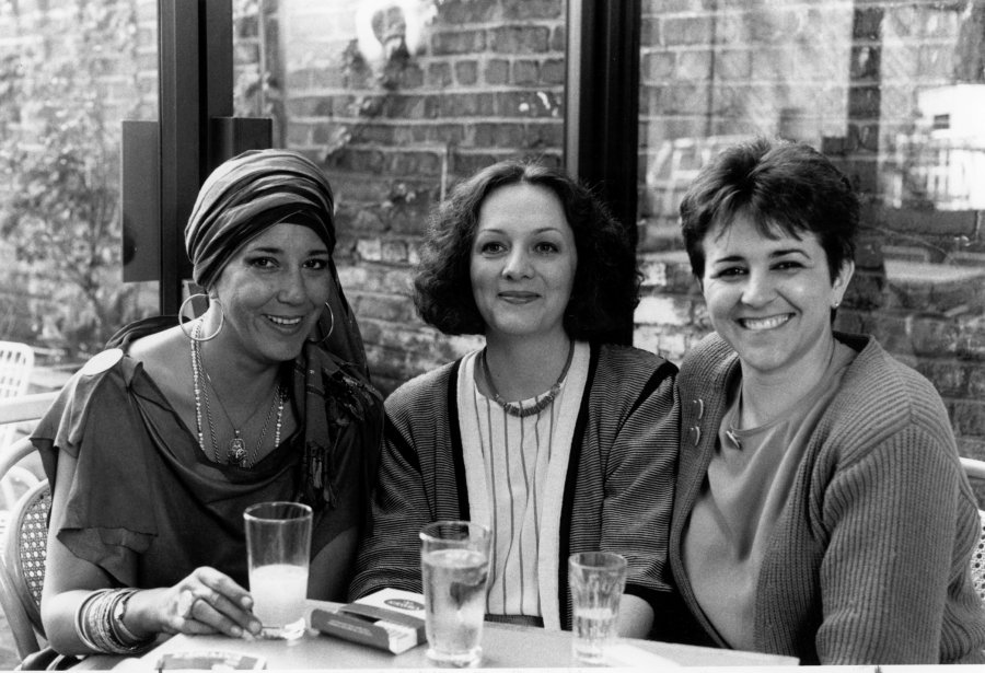 L'équipe de Station Soleil (Francine Grimaldi, Lise Garneau et Chantal Jolis) à Radio-Québec en 1983. (Photo Radio-Québec)