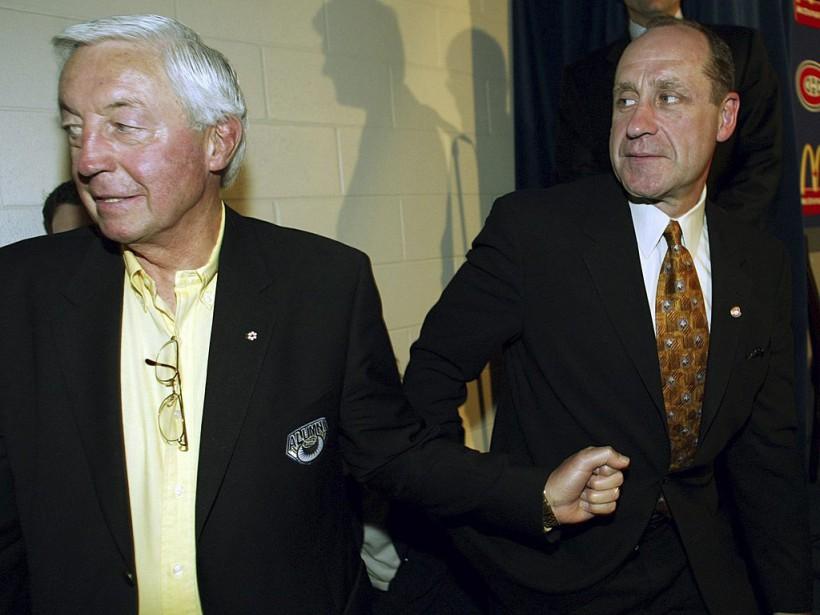 Jean Béliveau aux côtés de Bob Gainey, qui vient d'être nommé directeur général du Canadien, en 2003. (PC)