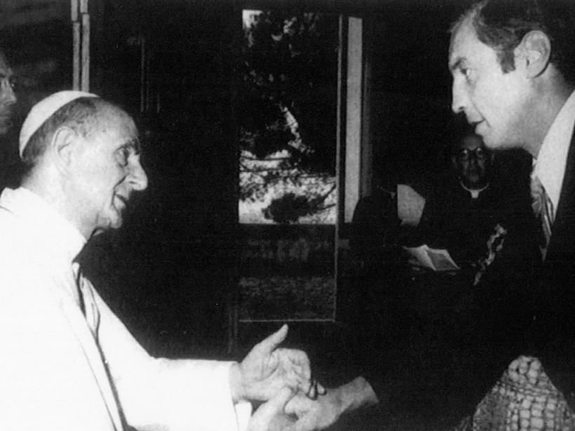 Jean Béliveau lors d'une rencontre avec le pape Paul VI. ()