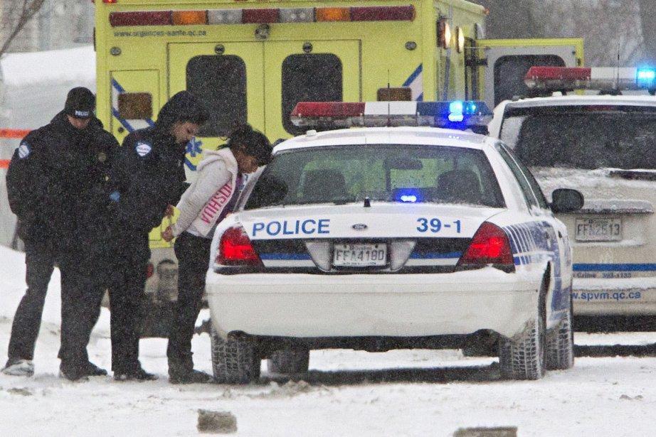 Les policiers ont arrêté cinq suspects dont une... (Photo: Patrick Sanfaçon, La Presse)