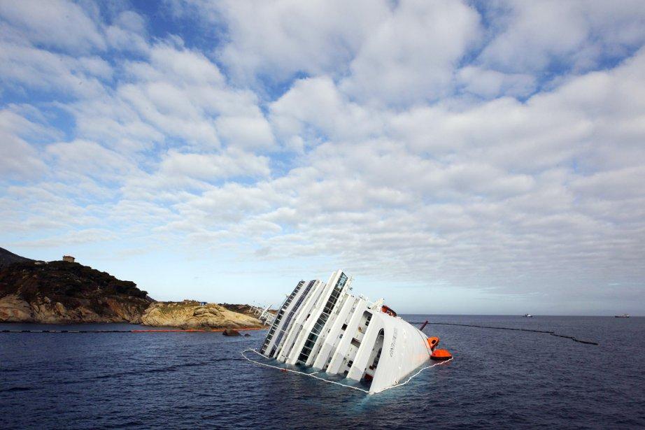 Le naufrage du Concordia sur l'île italienne du... (Photo: Tony Gentile, Archives Reuters)