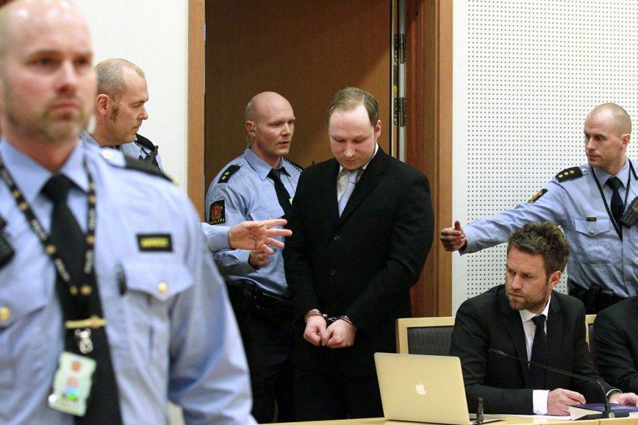 Behring Breivik, qui se pose en idéologue hostile... (Photo: Heiko Junge, Archives AP)