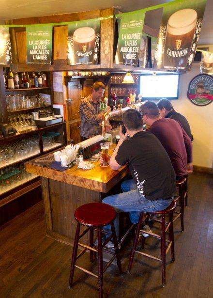 Sur St-Charles, le pub irlandais Duke et Devine's. | 2 mars 2012