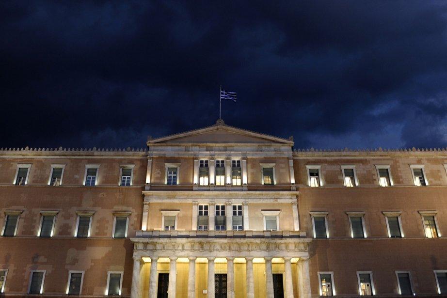 Les nuages sont encore bien présents dans le... (Photo AFP)