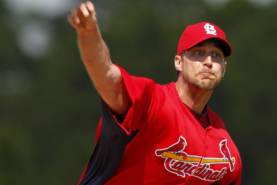 Adam Wainwright... (Photo Associated Press)