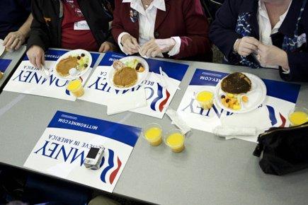Un brunch de crêpes a eu lieu dimanche... (Photo: AFP)