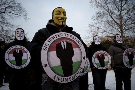 Les pirates sont accusés d'attaques informatiques contre des... (Photo: Reuters)