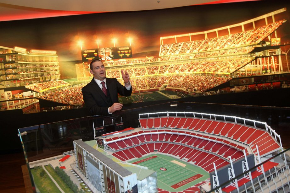 Les dirigeants des 49ers ont bien entendu applaudi... (Photo : Robert Galbraith, Reuters)