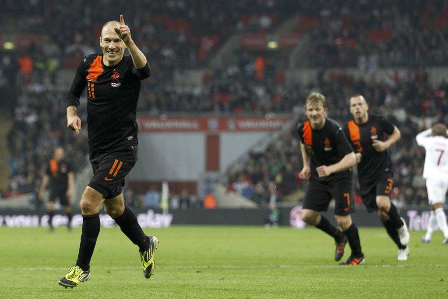 Les Pays-Bas ont battu l'Angleterre 3-2 en match... (Photo: Reuters)