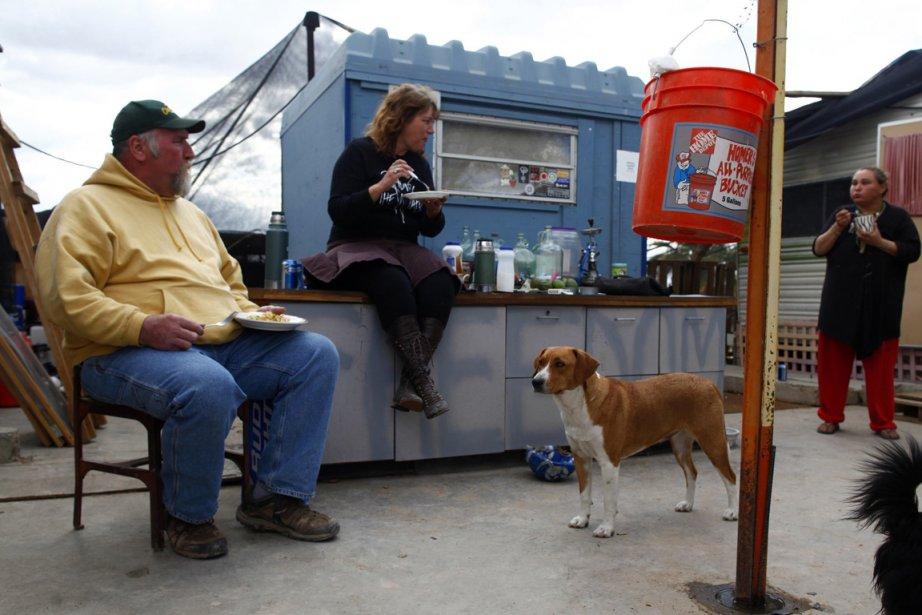 Des Américains sans emploi à Slab City en... (Photo Reuters)