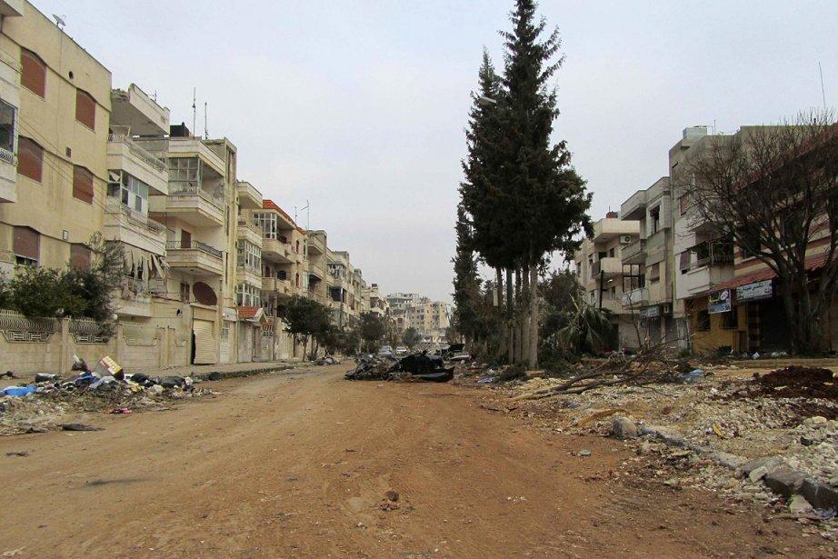 Une rue détruite à Homs, en Syrie.... (Photo: Reuters)