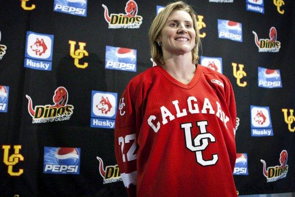 La triple médaillée d'or olympique Hayley Wickenheiser, des... (Photo: archives PC)