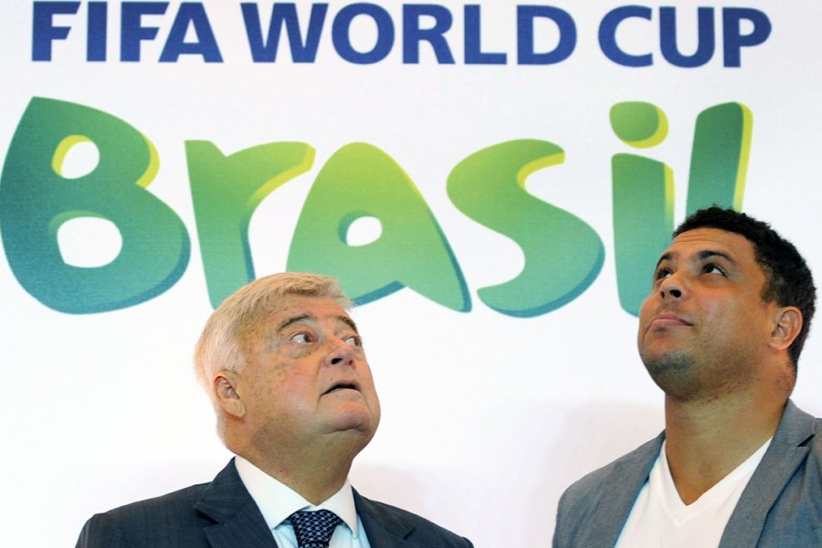 Ricardo Teixeira (à gauche), ici avec l'ex-joueur vedette... (Photo: AFP)