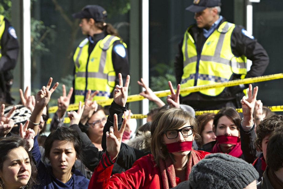 Lundi, les étudiants ont tenu un «sit-in» sur... (Photo: Patrick Sanfaçon, La Presse)