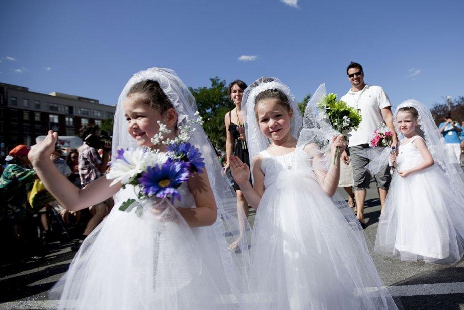 La parade des Jumeaux dans le cadre du... (Photo Marco Campanozzi, La Presse)